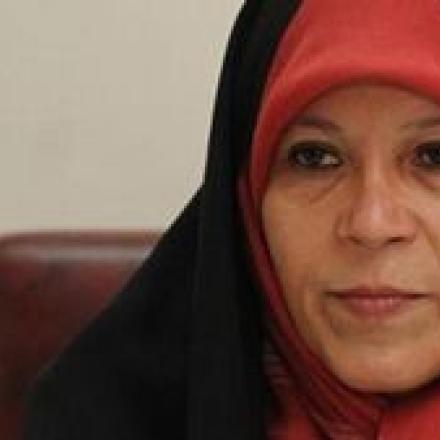 فائزه هاشمی: امام خمینی مخالف حجاب اجباری بود