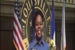 بیگناهی زن سیاهپوستی که توسط پلیس آمریکا به قتل رسید