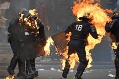 درگیری معترضان با پلیس فرانسه در حومه پاریس