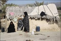 چرا در جمهوري اسلامي ايران همچنان نشانه هايي از فقر و محروميت ديده مي شود؟
