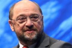 """انتقاد شدید """"مارتین شولتز"""" از ضعف اتحادیه اروپا در مبارزه با کرونا"""