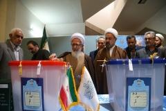 نظر آیت الله جوادی آملی درباره شرکت در انتخابات