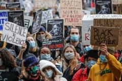 تظاهرات هزاران انگلیسی برای ابراز همبستگی با معترضان آمریکایی