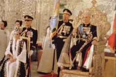 فرار از ایران با 384 چمدان پر از پول، طلا و الماس