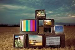 اثرات مثبت رسانهها به معنای وسيع كلمه (اعم از اينترنت، راديو و تلويزيون، روزنامه، كتب و ماهواره) چيست؟