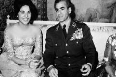 تمایل عجیب محمدرضا شاه به زنان آمریکایی
